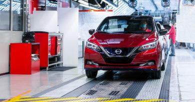 Nissan Celebrates Production Of 500,000th LEAF