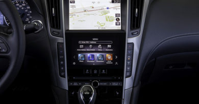 New-Generation Infiniti InTouch Keeps Drivers Connected While On The Road