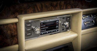 Jaguar Land Rover Classic To Bring Infotainment System To Classic Car Owners